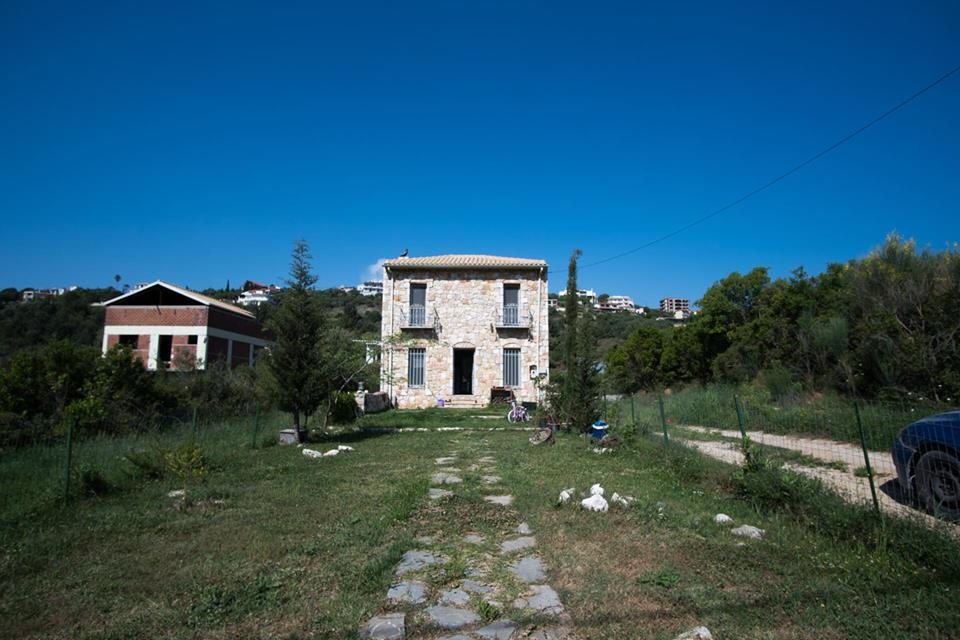 For sale two storey stone maisonette of 84m² in Perdika, in the area of Vounistra.(014)