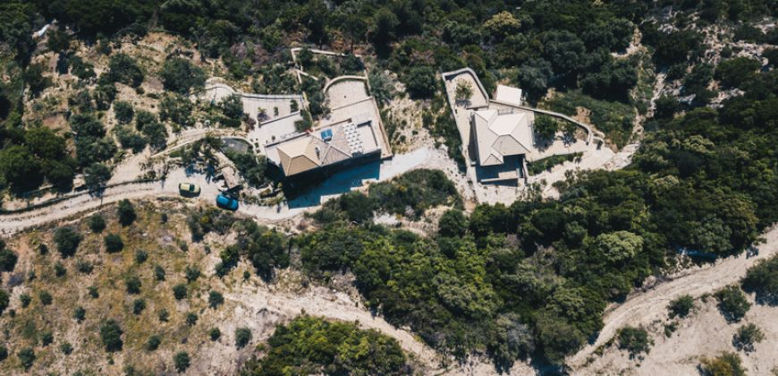 For sale newly built stone villa of 140m²