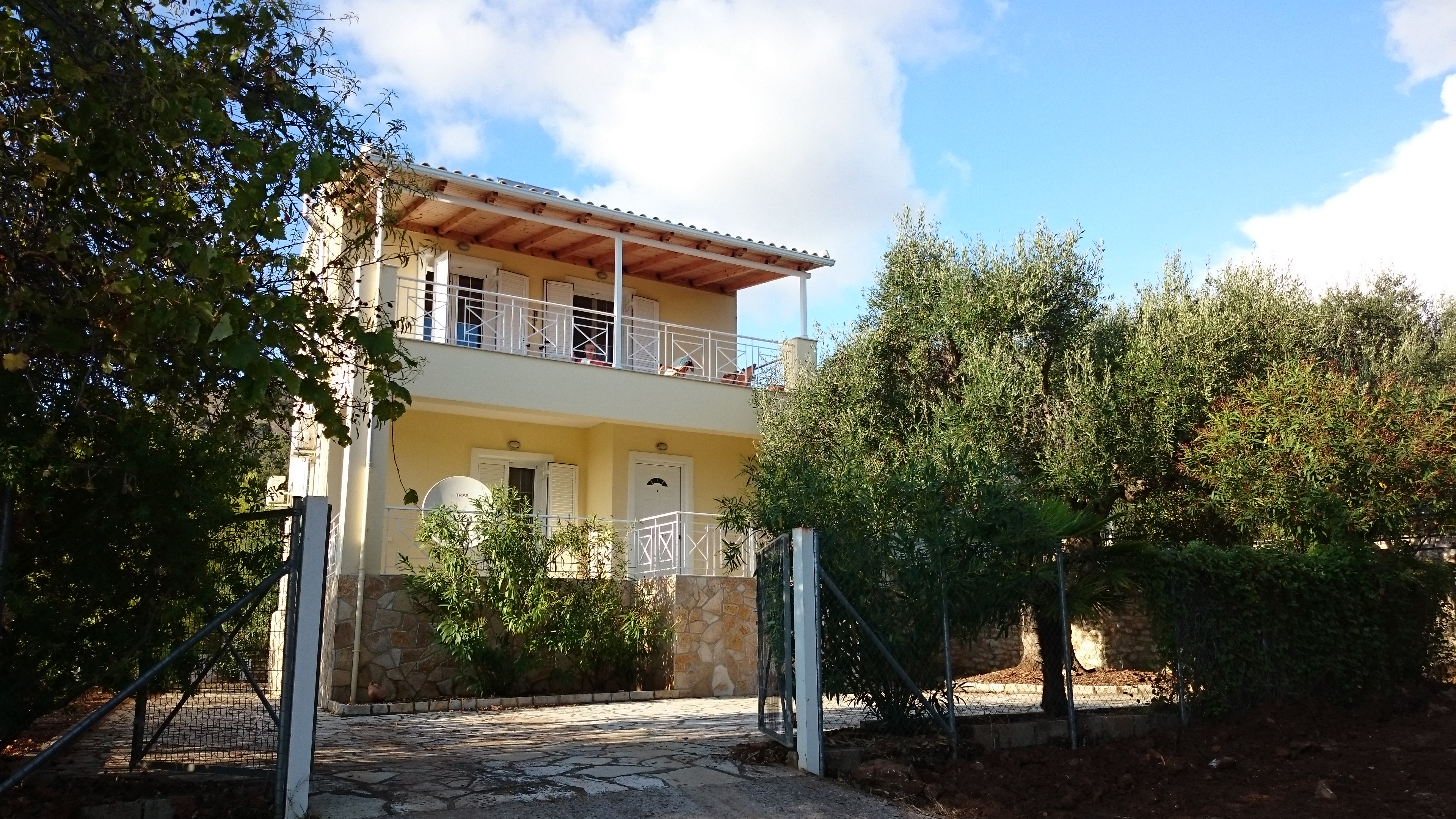 For sale 95 m2 Detached house full equipment in Sivota 185.000 Euro.(102)
