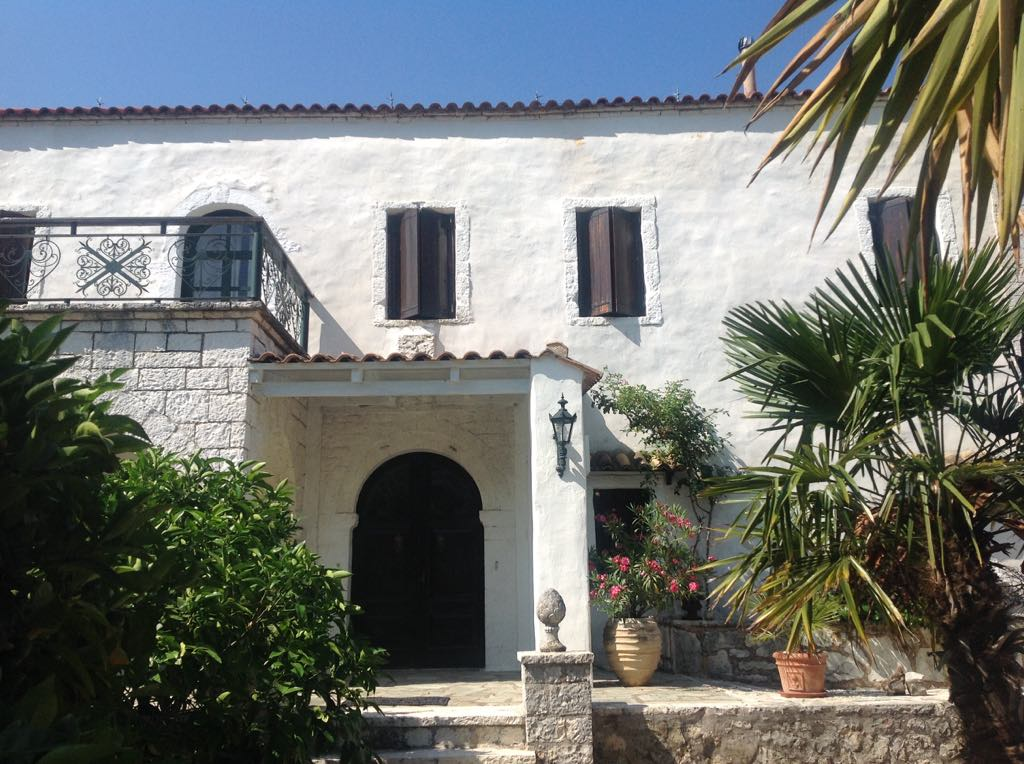 For sale 140m2 historical house in Sivota 580.000 Euro.(101)