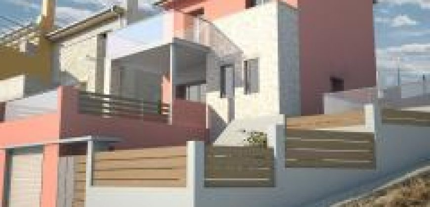 For sale luxury maisonette of 175,11 m2 with swimming pool in Perdika