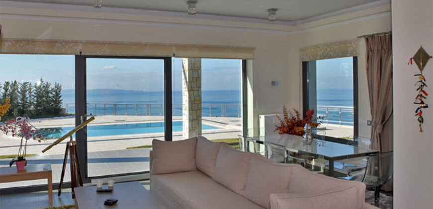 Luxury villa 178 m2 with wonderful panoramic view of the Ionian Sea (746)