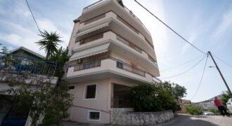 For sale a floor apartment of 108 sq.m. in Graikochori, Igoumenitsa, € 150,000. (240)